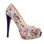 çiçek desenli yüksek topuklu çok şık ayakkabılar