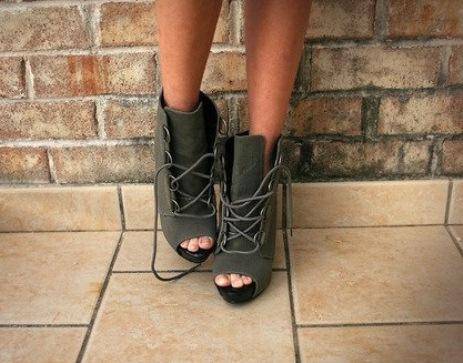 2012 elisse kalin topuklu ayakkabi resimleri1 Yeni Sezon Elisse Platform Topuklu Ayakkabılar 9
