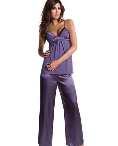 2012 ip askili dekolte saten pijama takimlari En Güzel İpek Pijama Takımları 12