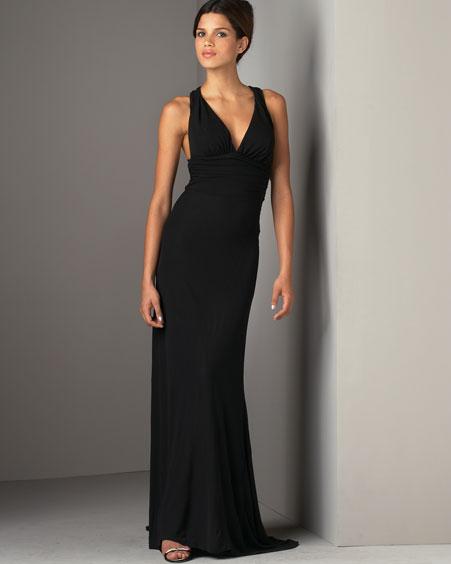 askili gogus dekolteli uzun elbise modelleri Yeni Trend Siyah Gece Elbiseleri 10