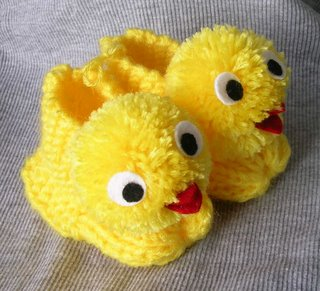 civciv orgulu bebek patik modelleri ornekleri Minicik Çok Tatlı Örgü Bebek Patikleri 3