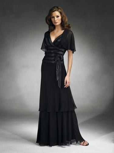 dekolte tul siyah abiye elbiseler Yeni Trend Siyah Gece Elbiseleri 12