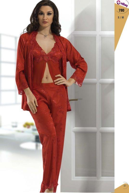 en guzel kirmizi dantelli ipek pijama takimlari En Güzel İpek Pijama Takımları 2