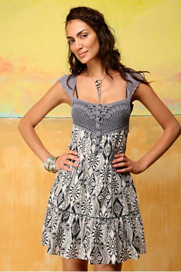 gogus kismi islemeli mini kollu elbise Desen Desen En Şık Yazlık Bayan Elbise Modelleri 13