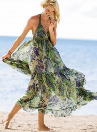 ifon boyundan baglamali uzun elbise modelleri En Güzel Maxi Elbise Modelleri 22
