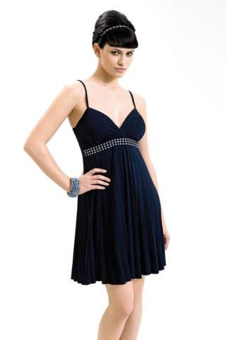 ip askili siyah abiye elbise modelleri Yeni Trend Siyah Gece Elbiseleri 19