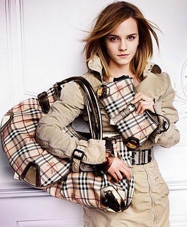 krem rengi kareli canta ve cuzdan modelleri Yeni Trend Burberry En Güzel Çanta Modelleri 14