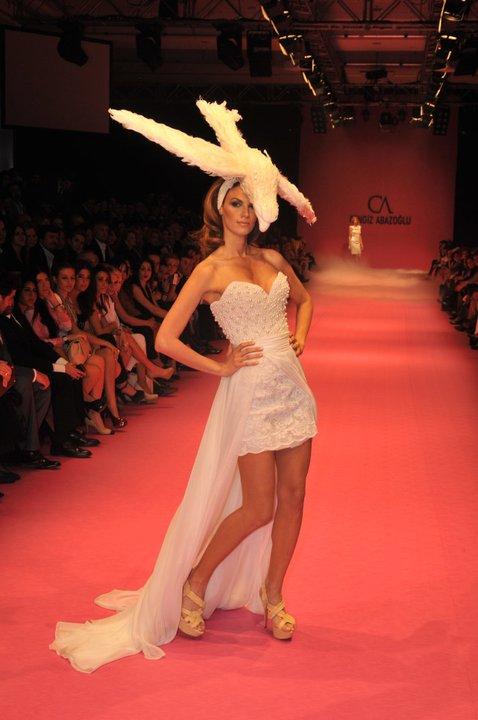 kuyruklu mini straplez abiye kiyafet modelleri Yeni Sezon Cengiz Abazoğlu Abiye Elbise Koleksiyonu 31