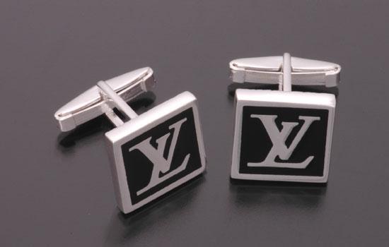 modern en sik kol dugmeleri ornekleri Farklı İlginç Yeni Trend Kol Düğmesi Modelleri 28