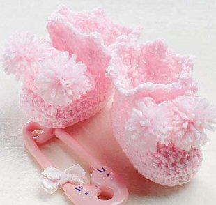 ok sirin ponponlu bebek patik modelleri Minicik Çok Tatlı Örgü Bebek Patikleri 6