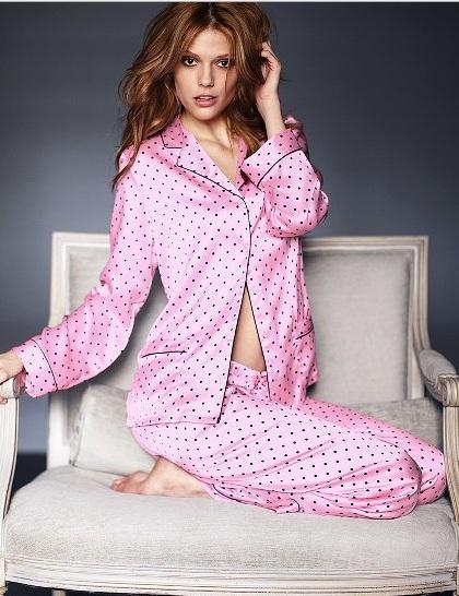 pembe siyah puantiyeli cepli saten pijama ornekleri En Güzel İpek Pijama Takımları 8