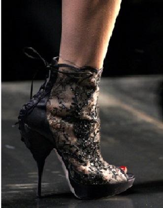 platform topuklu elisse siyah tullu bilekte ayakkabi modelleri1 Yeni Sezon Elisse Platform Topuklu Ayakkabılar 26