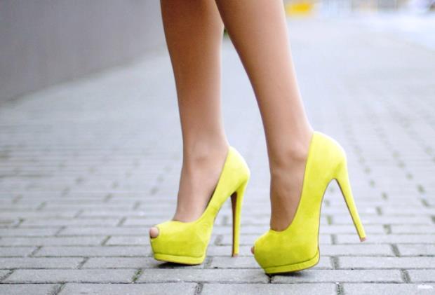 sari burnu acik yuksek topuklu ayakkabi En son Moda Platform Topuklu Ayakkabılar 7