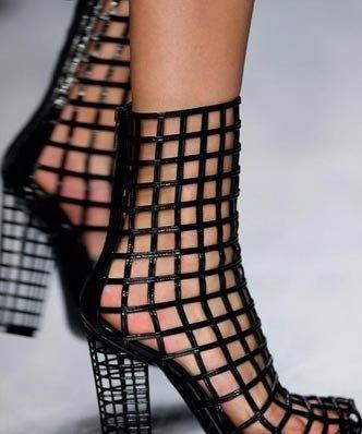 siyah elisse kafes ayakkabi ornekleri1 Yeni Sezon Elisse Platform Topuklu Ayakkabılar 24