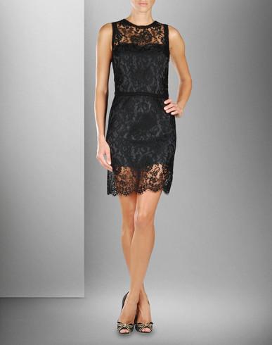 siyah kolsuz dantel elbise ornekleri Desen Desen En Şık Yazlık Bayan Elbise Modelleri 23