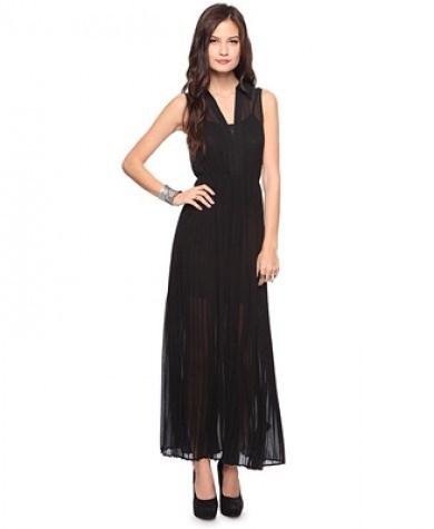 siyah maksi elbise modelleri ornekleri En Güzel Maxi Elbise Modelleri 18