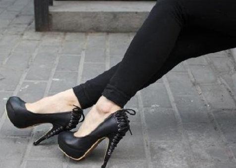 siyah topugu bagcikli modern ayakkabi ornekleri1 Yeni Sezon Elisse Platform Topuklu Ayakkabılar 2
