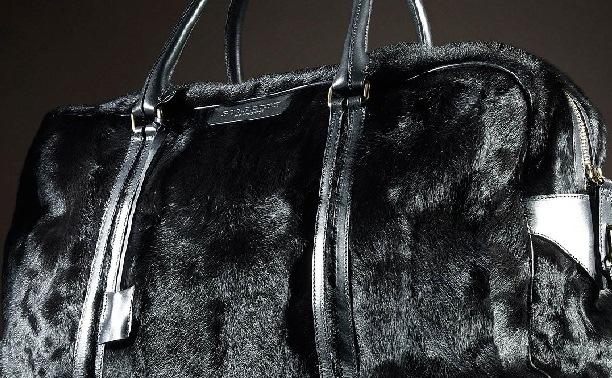 siyah tuylu canta ornekleri Yeni Trend Burberry En Güzel Çanta Modelleri 19