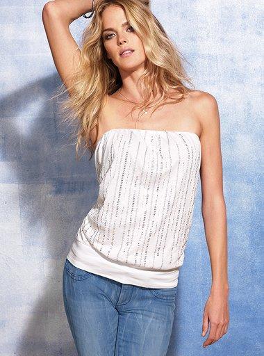 straplez beyaz pulu tisort modelleri Yeni Sezon Trend T-shirt Modelleri 17