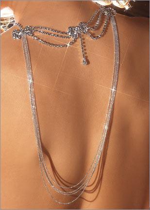 tasli abiye kolye ornekleri modelleri1 Abiye Kıyafetler İçin Farklı Takı Tasarımları 4