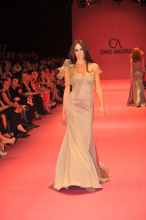 tul askili uzun gece elbisesi modelleri Yeni Sezon Cengiz Abazoğlu Abiye Elbise Koleksiyonu 6