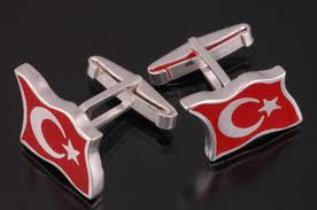 turk bayragi tasarimli kol dugmesi ornekleri Farklı İlginç Yeni Trend Kol Düğmesi Modelleri 18