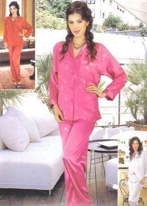 uzun kollu saten pembe pijama takimi modelleri En Güzel İpek Pijama Takımları 10