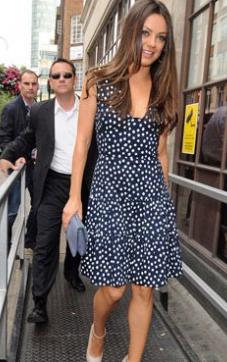 yazlik puantiyeli kisa elbise ornekleri 2012 En Güzel Yazlık Elbiseler 18