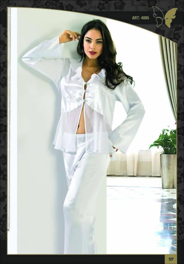 yeni sezon beyaz dekolte saten pijama takimi ornekleri En Güzel İpek Pijama Takımları 19
