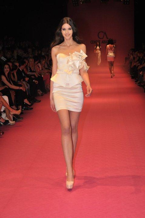yeni trend 2012 mini abiye elbise modelleri Yeni Sezon Cengiz Abazoğlu Abiye Elbise Koleksiyonu 9