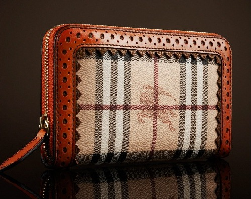 yeni trend kareli burberry cuzdan modelleri Yeni Trend Burberry En Güzel Çanta Modelleri 20