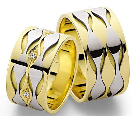yeni trend modern altin alyans modelleri Evliliği Simgeleyen Kalın Altın Alyans Örnekleri 4