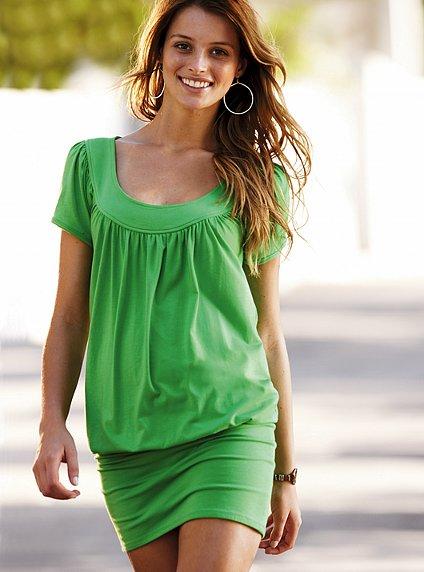 yesil kisa kollu etek kismi dar elbiseler Yaz Aylarının Vazgeçilmezleri Kısa Elbiseler 15