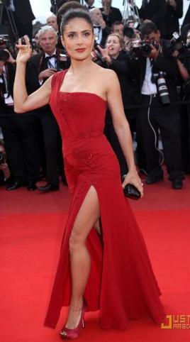 bacak dekolteli kizmizi abiye elbise modelleri En Güzel Dekolte Abiye Elbise Modelleri 4