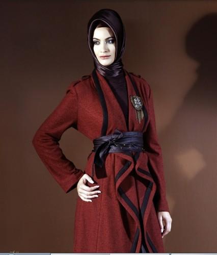 beli baglmali bayan palto ornekleri En Güzel Tesettür Giyim Modelleri 5