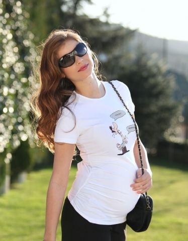 beyaz farkli ilginc kisa kollu hamile bluzlari1 Trend Farklı Hamile T-Shirt Modelleri 21