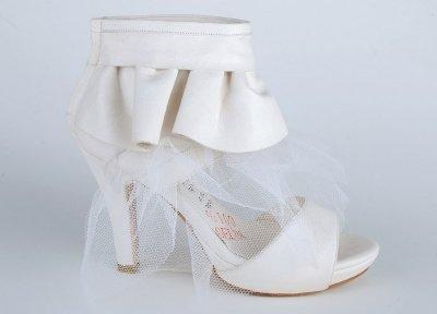 bilekten firfirli tullu platform topuklu ayakkabilar En Güzel Modern Gelin Ayakkabıları 4