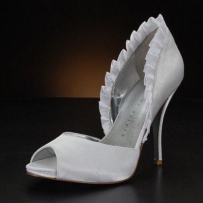 degisik farkli 2012 gelin ayakkabi modelleri En Güzel Modern Gelin Ayakkabıları 6