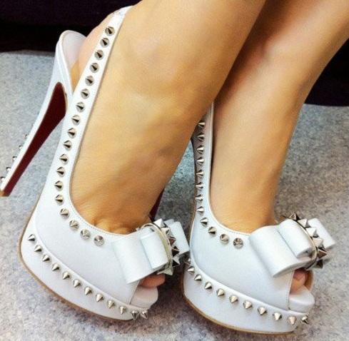 ivili beyaz modern sik gelin ayakkabilari En Güzel Modern Gelin Ayakkabıları 5