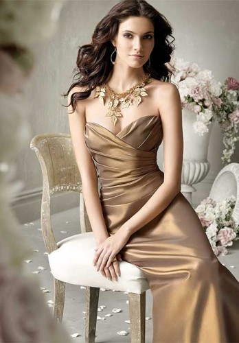 kahverengi straplez abiye elbise modelleri Yazlık Trend Straplez Elbise Modelleri 23