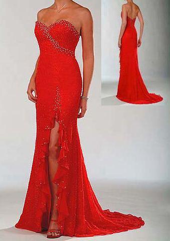 kirmizi bacak dekolteli straplez gece elbiseleri En Güzel Dekolte Abiye Elbise Modelleri 14