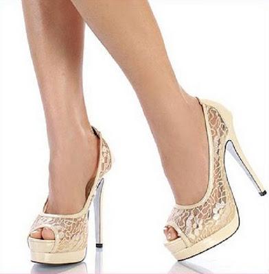 krem rengi dantelli platform topuklu gelin ayakkabilari En Güzel Modern Gelin Ayakkabıları 9