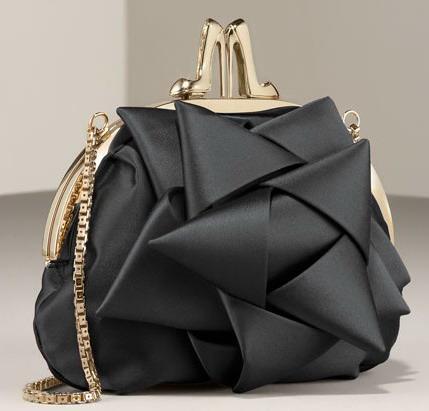 siyah altin rengi abiye canta modelleri Modern Şık Trend Abiye Çanta Modelleri 13