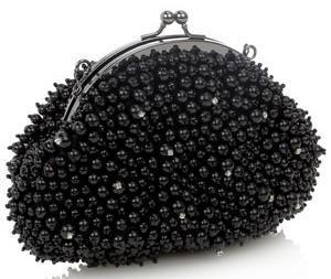 siyah incili kucuk abiye el cantasi Modern Şık Trend Abiye Çanta Modelleri 18