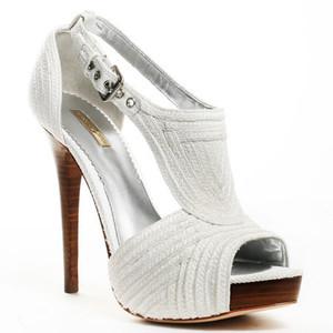 yeni trend gelinlik ayakkabisi modelleri En Güzel Modern Gelin Ayakkabıları 12