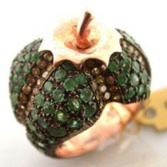 yesil tasli elma sekilli bayan yuzuk modelleri İlginç Farklı Değişik Yüzük Modelleri 21