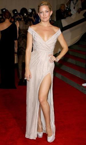 yirtmacli gogus dekolteli 2012 gece elbiseleri En Güzel Dekolte Abiye Elbise Modelleri 22
