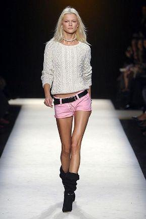 2012 trend bayan sort modelleri Mini Yazlık Bayan Şort Modelleri 1