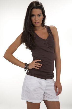 beyaz kisa bayan sort modelleri Mini Yazlık Bayan Şort Modelleri 3