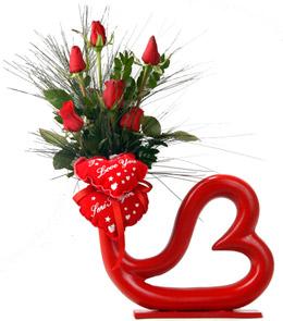kalp sekilli vazo ornekleri En ilginç Vazo Modelleri 4